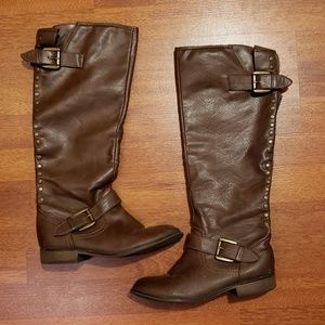 Red Zipper Brown Boots Size 7